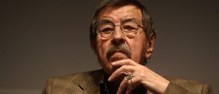 Turkiye almanya kultur forumunun onursal baskanlari yazar gunter grass muhsin ertugrul tiyatrosunda duzenlenen soylesiye katıldı. 15 nisan 2010 (zaman/turgut engin)